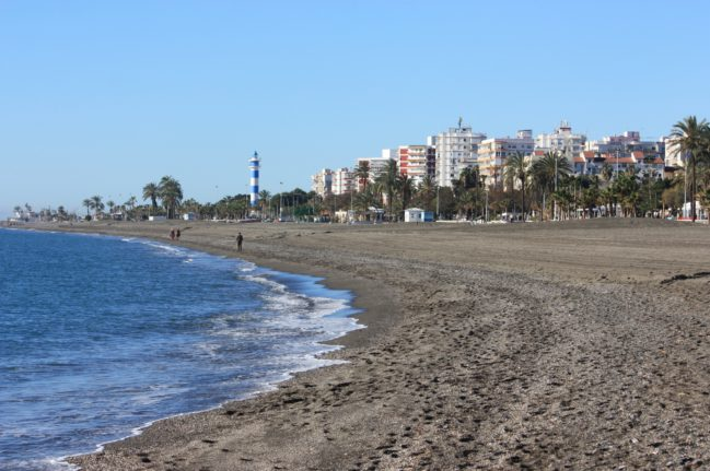 playa-torre-del-mar-2-playas-de-malaga-playea