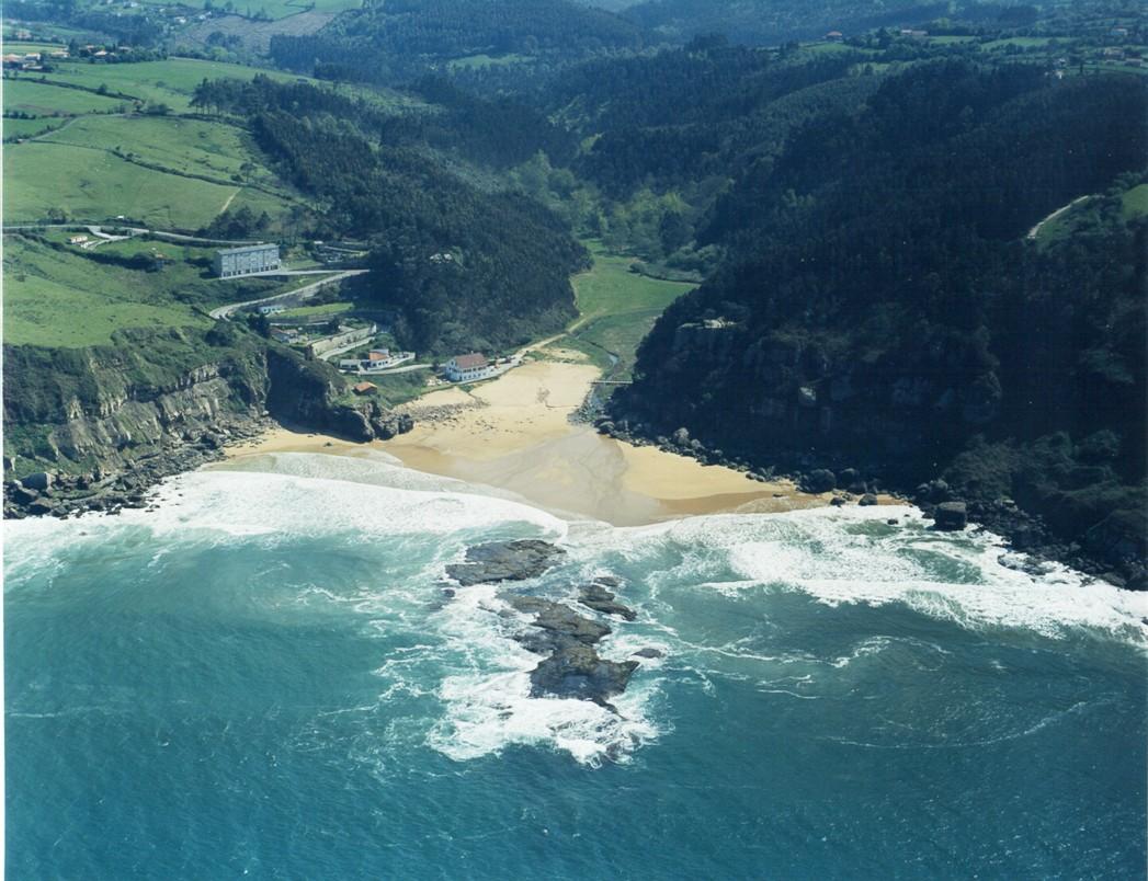 Las mejores playas de Asturias, imagen de la playa de La Ñora