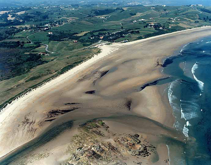 Las mejores playas de Cantabria, imagen de la playa de Oyambre
