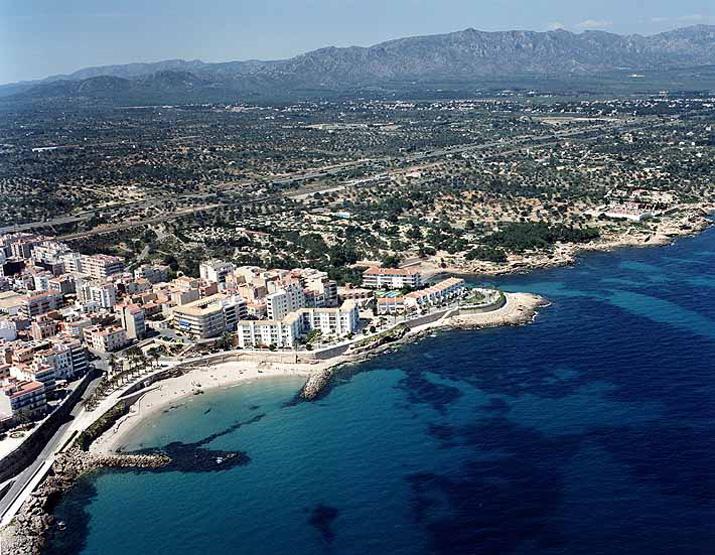 Las mejores playas de Tarragona, imagen de la playa de L'Alguer
