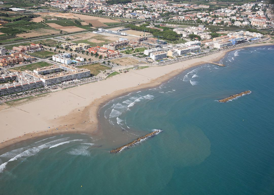 Las mejores playas de Barcelona, imagen de la playa de Mota de Sant Pere