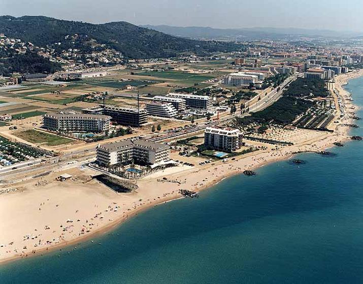 Las mejores playas de Barcelona, imagen de la playa de Platja de Les Dunes / Santa Susanna