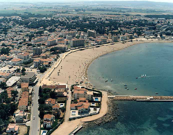 Las mejores playas de Girona, imagen de la playa de Riells