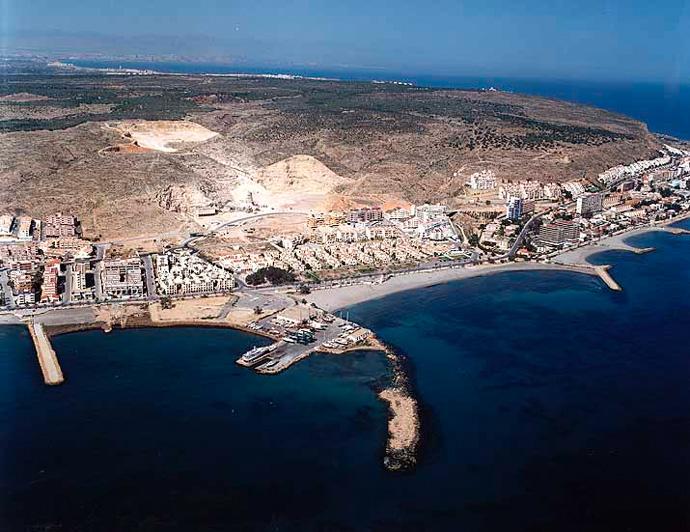 Las mejores playas de Alicante, imagen de la playa de Varador