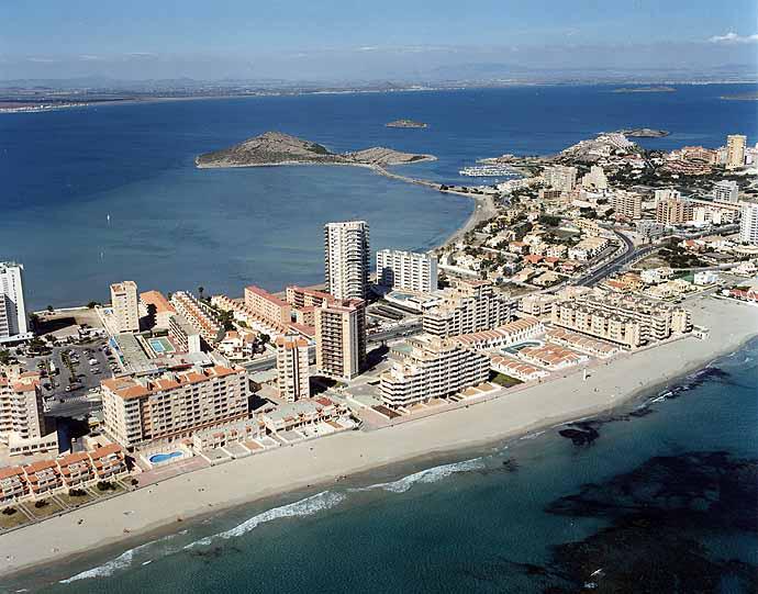 Las mejores playas de Murcia, imagen de la playa de Galúa