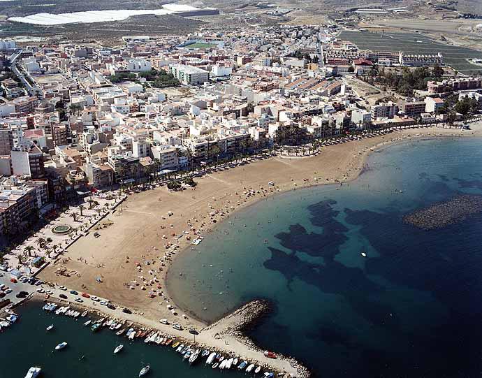 Las mejores playas de Murcia, imagen de la playa de El Puerto