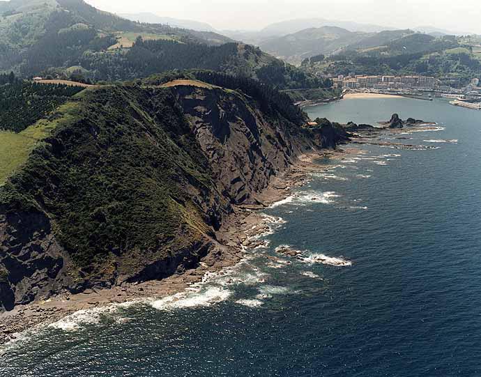 Las mejores playas de Guipuzcoa, imagen de la playa de Siete Playas / Zazpi Hondartzak