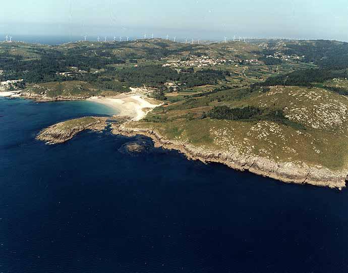 Las mejores playas de Coruña, imagen de la playa de Ermida
