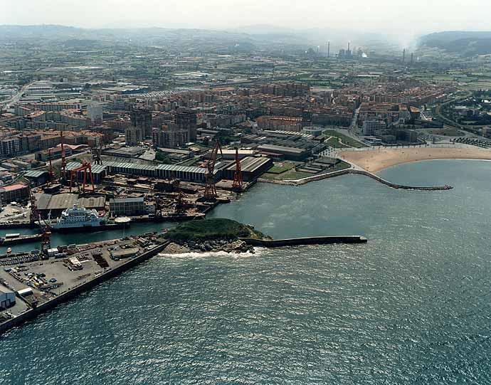 Las mejores playas de Asturias, imagen de la playa de Arbeyal