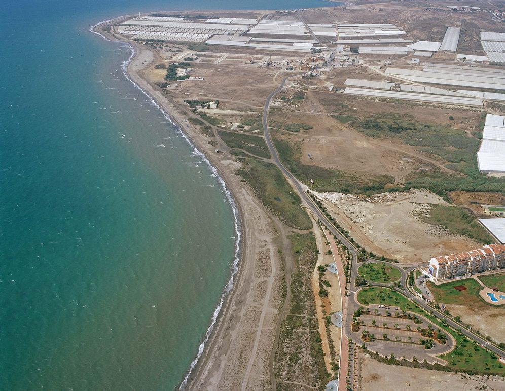 Las mejores playas de Almería, imagen de la playa de Guardias Viejas