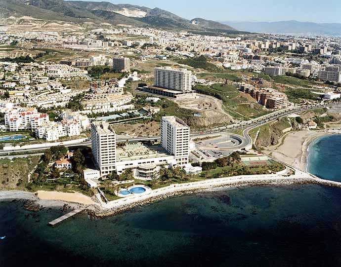 Las mejores playas de Málaga, imagen de la playa de Torrequebrada