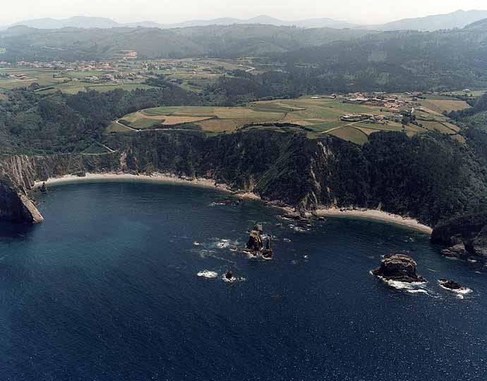 Las mejores playas de Asturias, imagen de la playa de El Silencio / Gavieiro