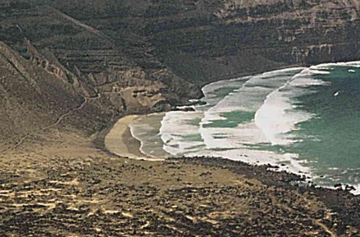 Las mejores playas de Lanzarote, imagen de la playa de La Cantería